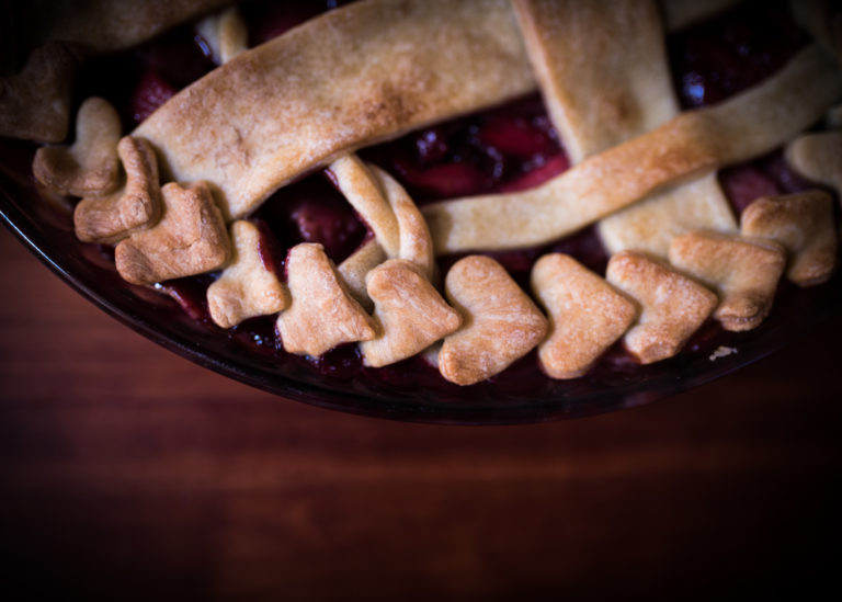 heart details of Apple Blackberry Pie
